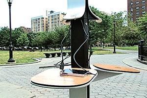 使用公共充電站 給手機充電安全嗎?