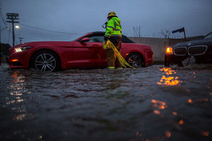 強風暴繼續席捲北加州 防洪堤壩安全受關注