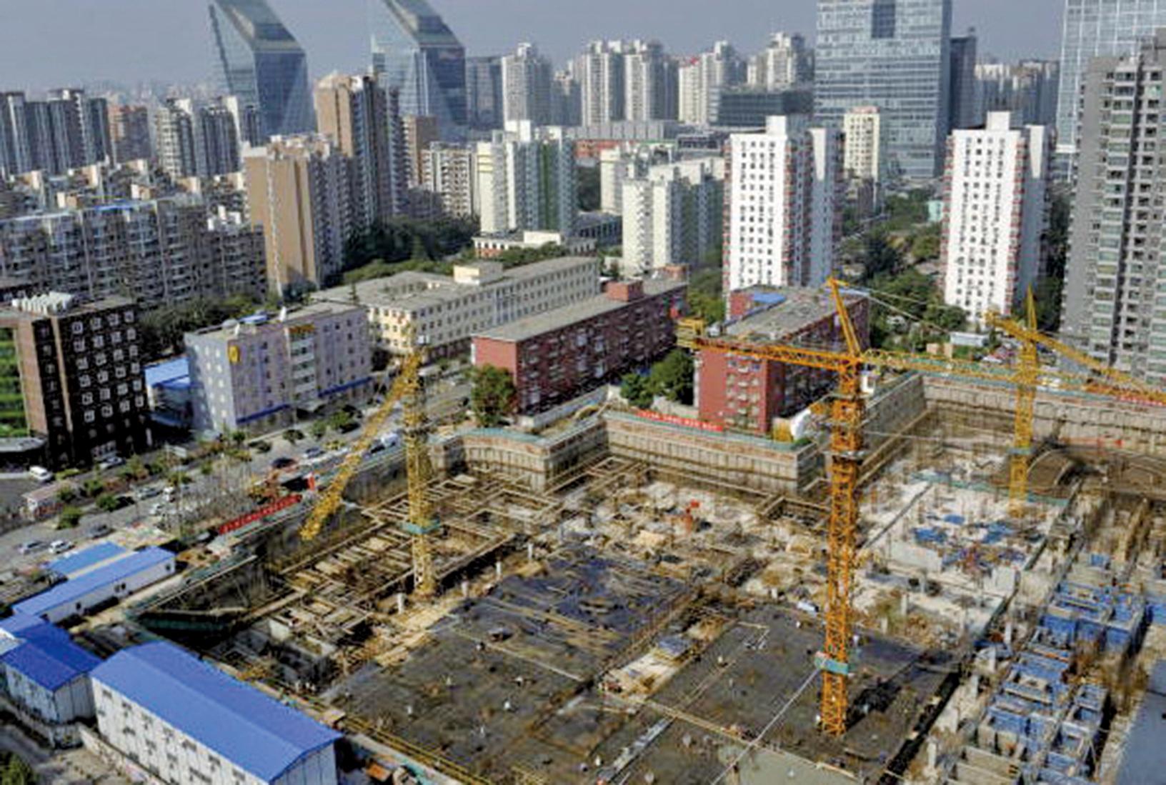 地方政府依靠賣地來償還債務,但是房地產泡沫風險令人擔憂。(Getty Images)