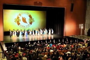 大批陸客桃園追神韻 看見「中華民族希望」