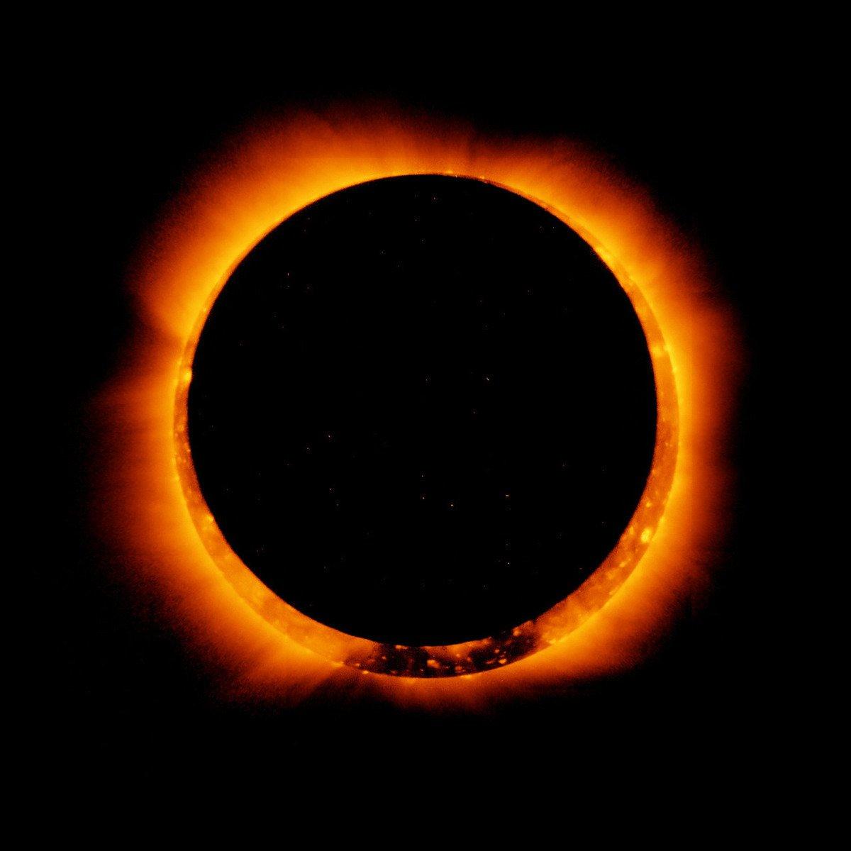 2月26日,地球迎來2017年第一個日食,因月亮無法完全遮住太陽,天空將出現一個火環,屬於日環食。(NASA)