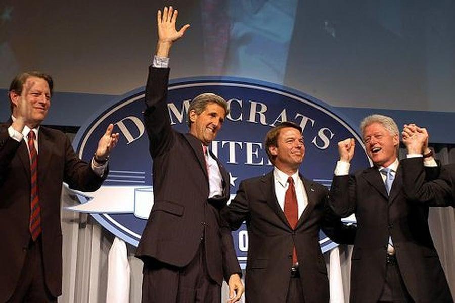 中共對美民主黨政要的政治獻金收買企圖由來以久。《華盛頓郵報》1997年報道﹐圖中曾出戰總統選舉的四位候選人,除了右二的愛德華茲(John Edwards)外,其餘皆被媒體揭發是中共收買的目標人物。(AFP/Getty Images)