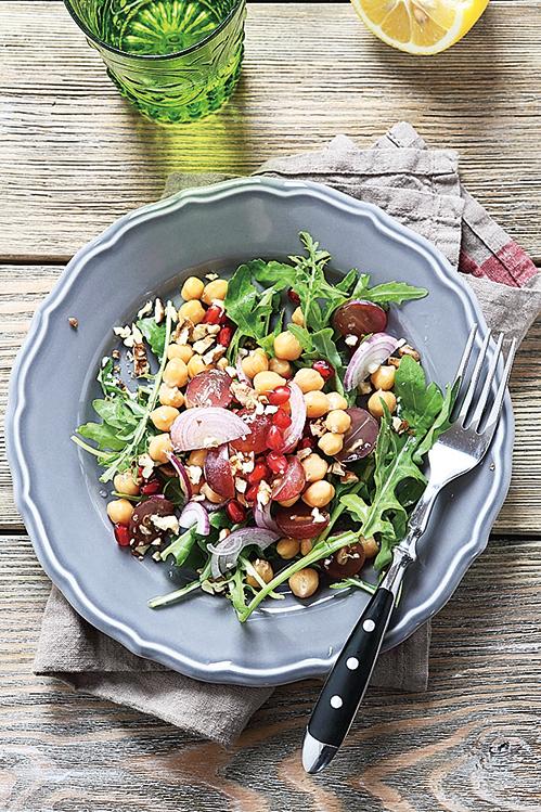 多吃蔬果及穀麥種子類食品,有益身體健康。