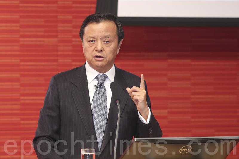 港交所行政總裁李小加表示,中港熱炒的債券通和新股通,未有時間表。(余鋼/大紀元)