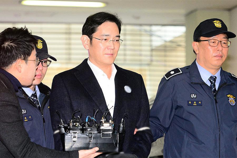 朴槿惠涉嫌受賄被立案 三星李在鎔被起訴