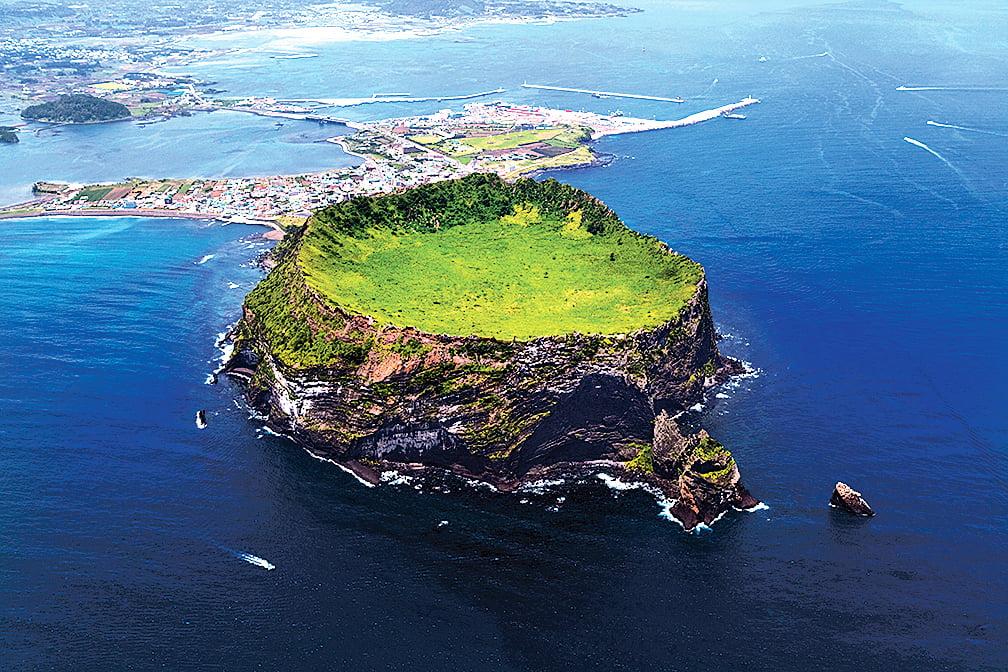 濟州島旅遊景點的城山日出峰。(newsis提供)