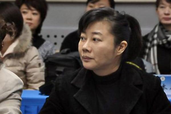 在3月3日開始的中共全國政協會議上,政協主席俞正聲稱,撤銷10人的全國政協委員資格,其中包括中共央視女主持人葉迎春。(網絡圖片)