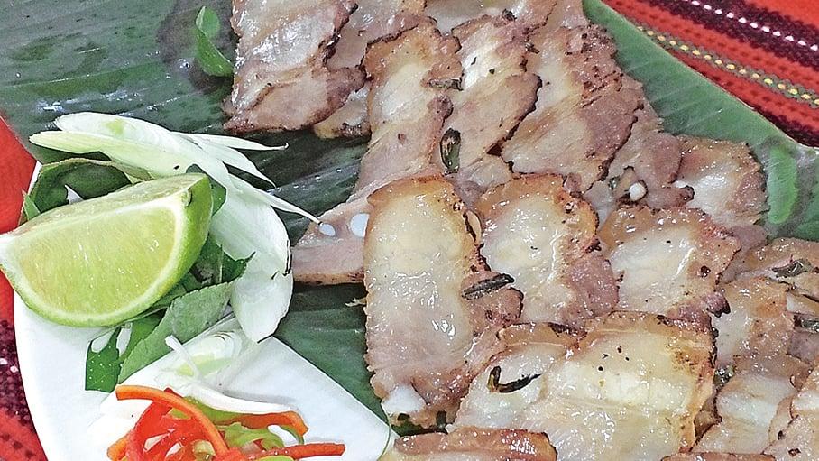 刺蔥烤鹹豬肉