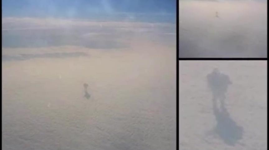 2016年1月,另有目擊者聲稱在飛機上目睹雲層上的人形物體。(Youtube視像擷圖)