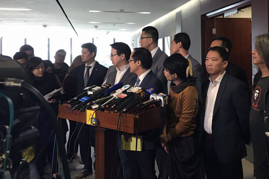 被梁振英入稟控告誹謗的會計界立法會議員梁繼昌回應稱,今次特首入稟控告議員誹謗事件並無前例。(林怡/大紀元)