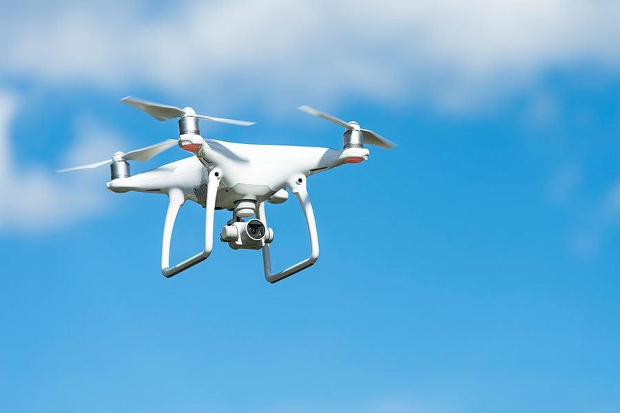 小型無人飛機。(PIXTA)