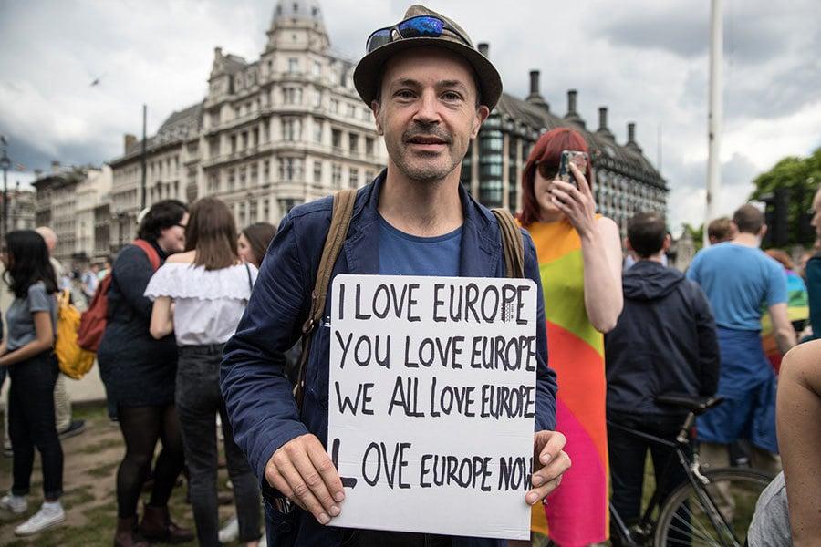 法總統警告:英國脫歐將失去先前的優惠