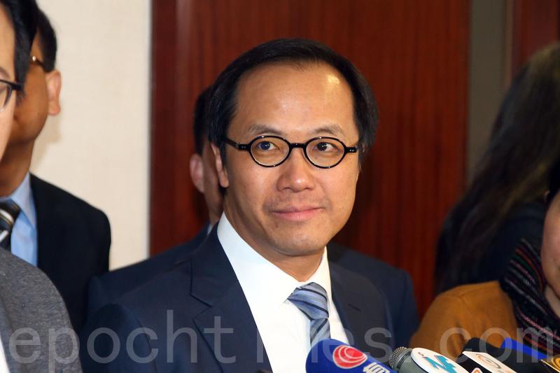 梁繼昌相信司法制度公平公正,會繼續在UGL專責委員會用心完成工作。(李逸/大紀元)
