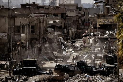 2017年3月7日摩蘇爾市,伊拉克軍隊與伊斯蘭國(IS)武裝份子的戰鬥正在繼續。伊拉克軍收復了摩蘇爾主要政府大樓及博物館,在收復西區的戰鬥中取得穩步進展。(AFP PHOTO/ARIS MESSINIS)
