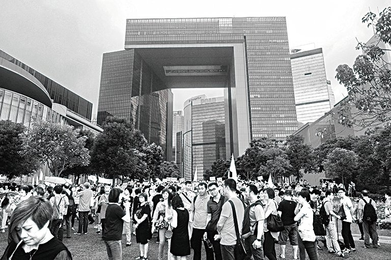 習近平當局對福建幫於去年10月帶頭圍攻立法會等做法很不滿,批評他們「搞亂香港」。(大紀元資料圖片)