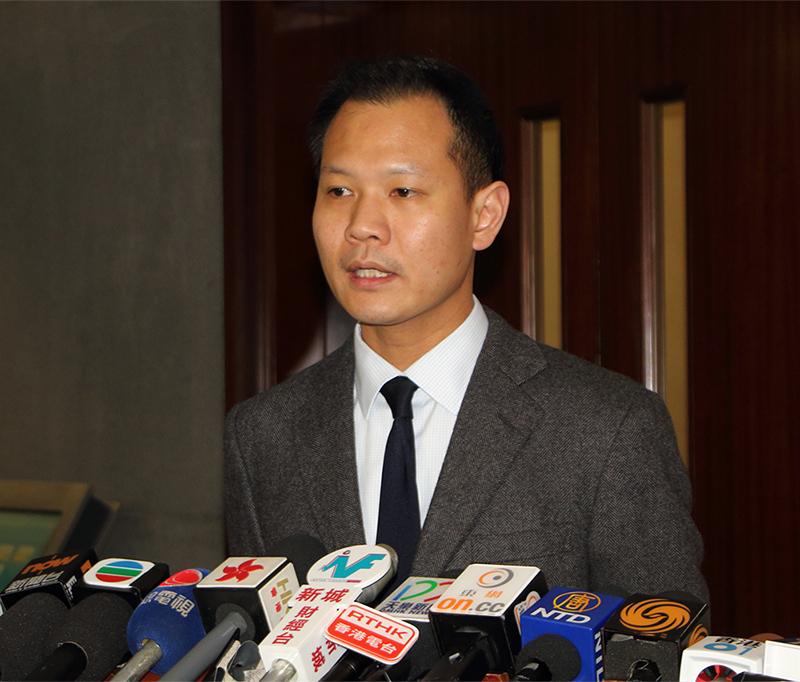 郭榮鏗重申「民主300+」沒有分票的條件,必須團結集中票源,支持能夠團結港人的候選人,否則無法發揮作用。(蔡雯文/大紀元)