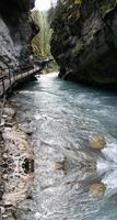 加拿大約翰斯頓峽谷 大自然以柔克剛的傑作