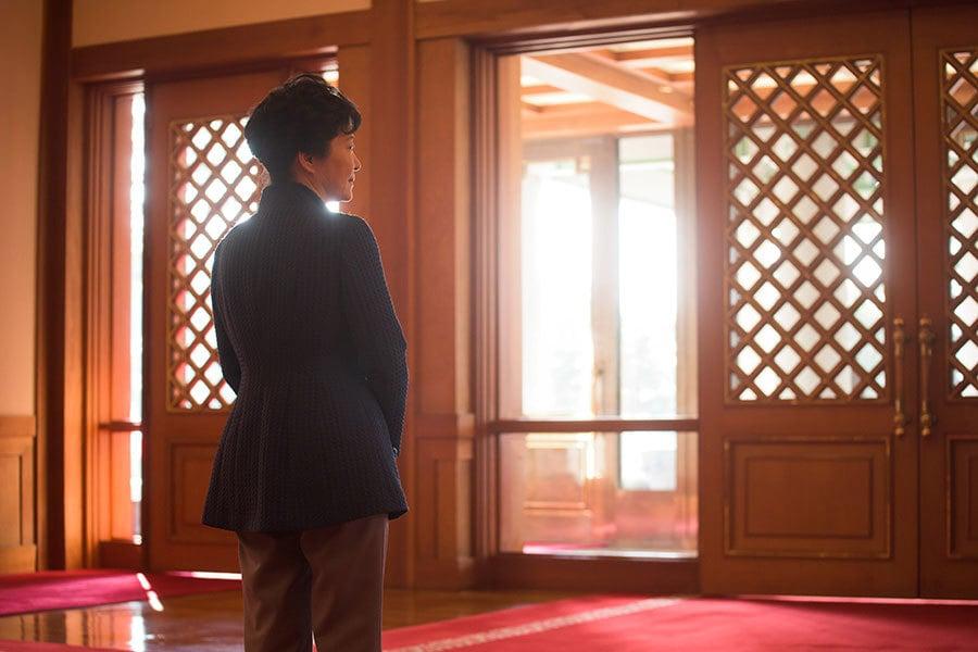朴槿惠正式遭解職後,南韓政府依法須在60天內補選總統。(ED JONES/AFP/Getty Images)