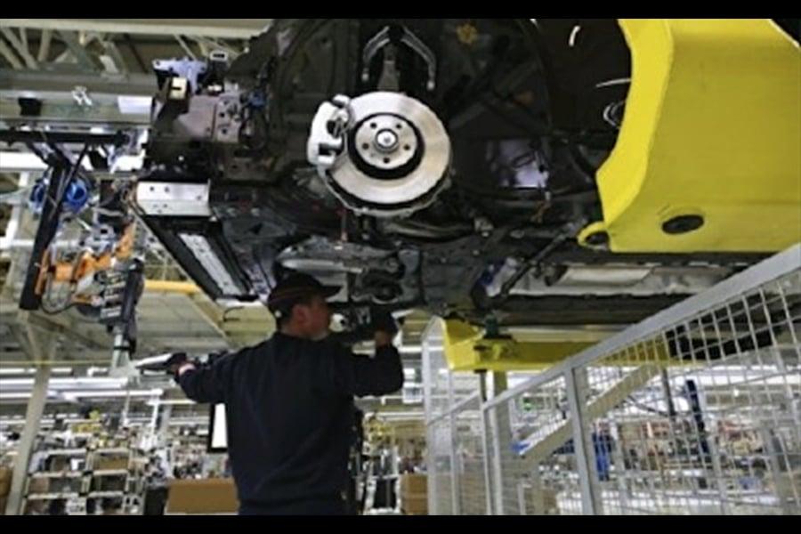 上海大眾汽車發動機廠維修部高級經理徐小平說,不要簡單看這個價值幾毛錢的小螺栓,哪怕中國的高端國產發動機上,幾乎100%用的是進口螺栓。(網絡圖片)