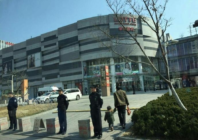 據網上多個片段顯示,各地警方已開始壓制涉韓的示威活動。(網絡圖片)