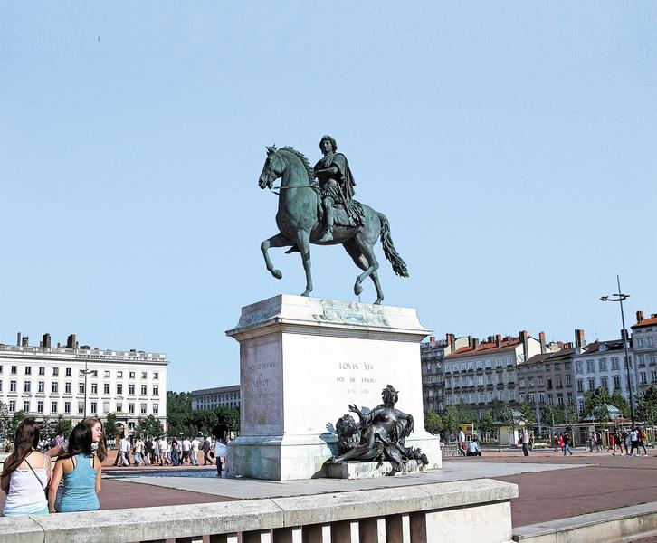法國十大最美廣場(五)里昂白萊果廣場