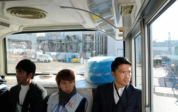 2017年1月10日多名J聯賽的日本足球選手參觀福島第一核電廠。(Getty Images)