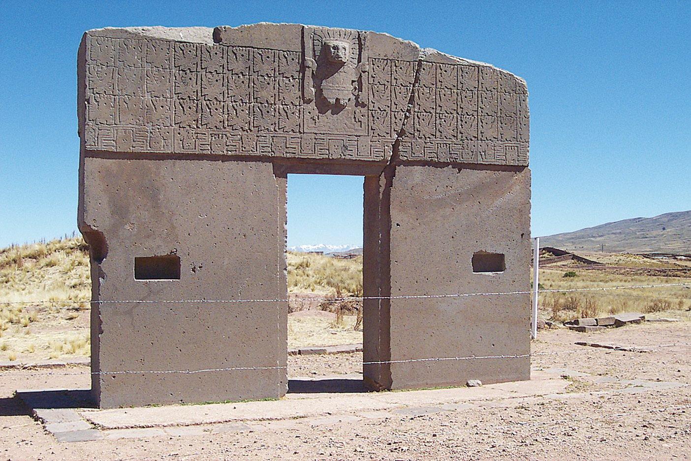 玻利維亞帝華納科古城遺址的太陽門。(維基百科)