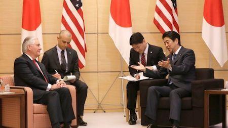 美國務卿會安倍及外相 強調美日韓鐵三角