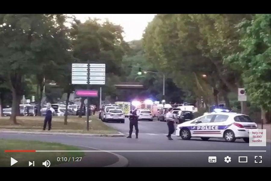 周四(3月16日),法國南部小鎮格拉斯(Grasse)托克維爾高中(Tocqueville High School)驚傳槍擊案,至少8人受傷。(視像擷圖)