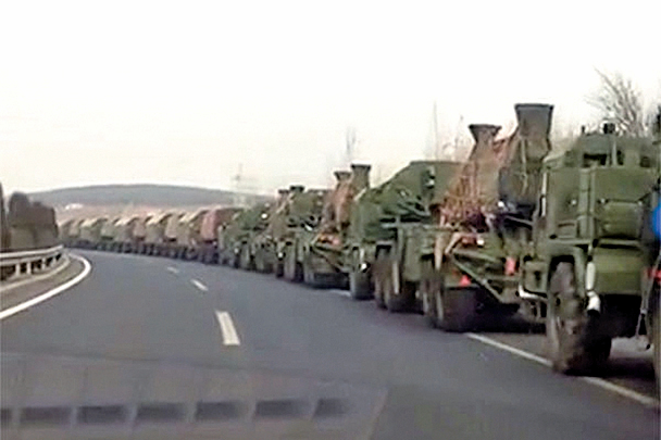 3月13日,網絡曝光大量中方軍隊出現在中朝邊境的影片,但影片很快被刪除。(影片截圖)