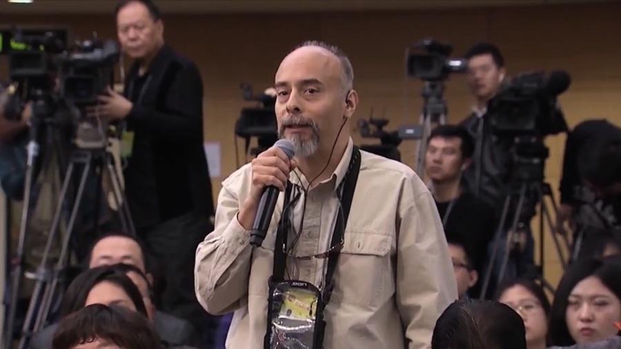 為甚麼這名駐華美國記者一夕網絡爆紅