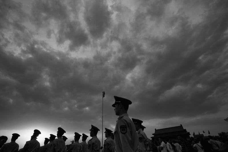 12月28日,中共國防部、《人民日報》都稱,習近平當局收回武警部隊的指揮權是為了「確保政治安全」。(Feng Li/Getty Images)