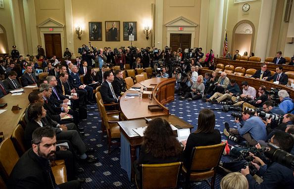 3月20日,美國聯邦調查局局長科米(James Comey)出席國會聽證,表示沒有證據支持特朗普總統的監聽指控。(Zach Gibson/Getty Images)