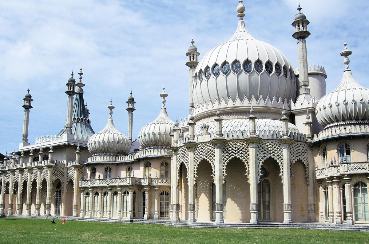 英皇閣這座獨一無二的建築仿若英倫「泰姬陵」,同樣是莫臥兒王朝時期的圓穹頂建築風格。(網絡圖片)