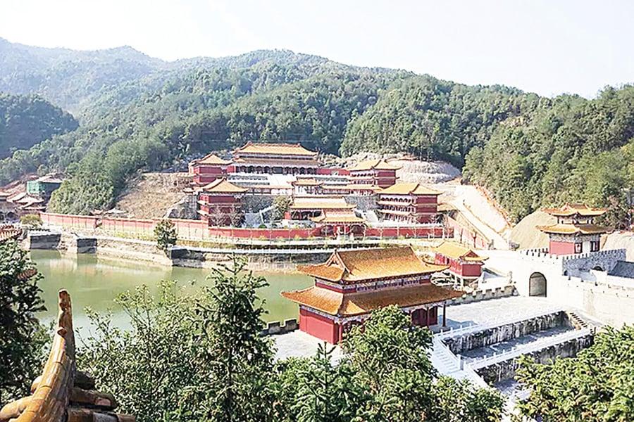 江西高校建「皇宮」專家:重外表缺內涵