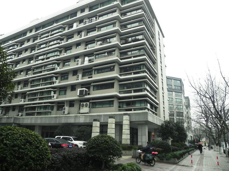 3月份以來,大陸多地的房地產調控持續加碼,分析認為,並未抑制住房價泡沫。圖為杭州一個樓盤。(大紀元資料室)