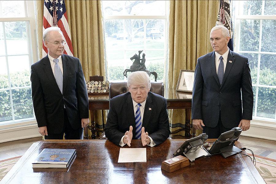 對未能獲得黨內保守派的支持,特朗普表示有一點失望,並說「但他們還是我的朋友」。他同時感謝瑞安以及普萊斯的努力。(Olivier Douliery-Pool/Getty Images)