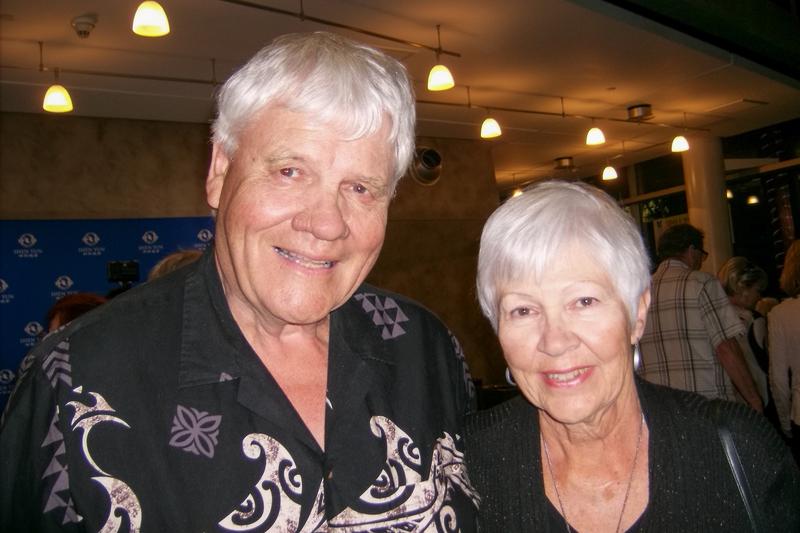 退休前做中學校長的Barry Edgar先生和夫人Carol Edgar一起觀看了神韻演出。(于麗麗/大紀元)