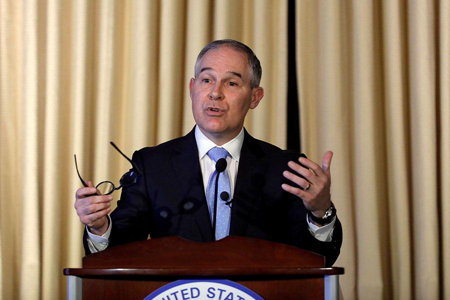環保署署長Scott Pruitt說,總統將開創一條新的道路,既支持就業、又保護環境。(Aaron P. Bernstein/Getty Images)