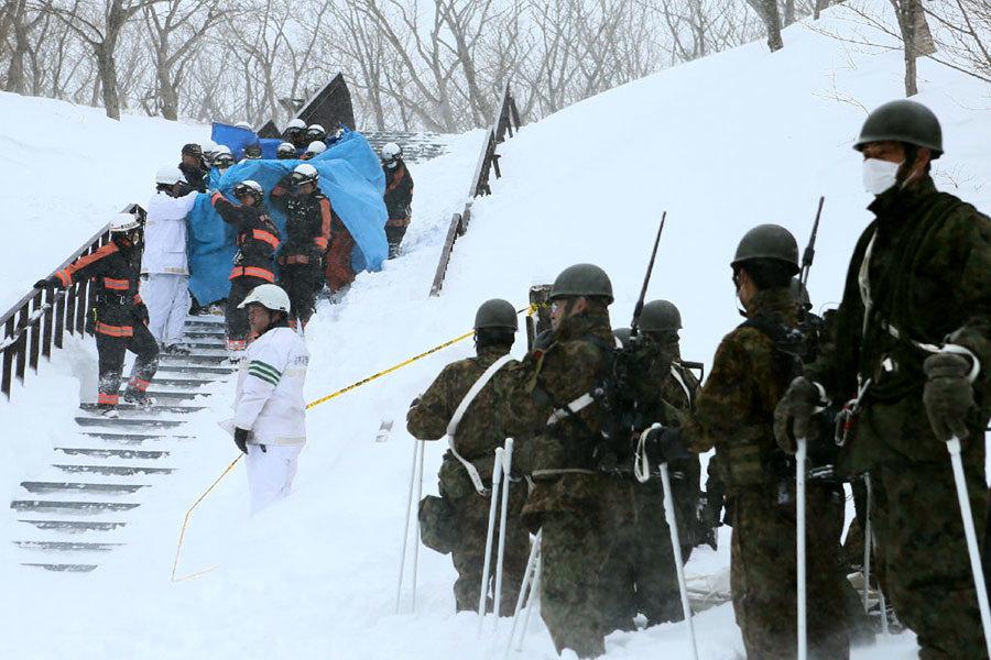 遭雪崩活埋 日本高中生靠吃掉嘴邊的雪保命