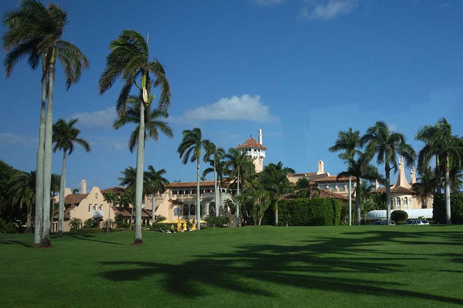 美國特勤局一位發言人證實,習近平與他的代表團4月6日至7日在棕櫚灘與特朗普會晤,不會在特朗普私人高爾夫球俱樂部馬阿拉歌莊園過夜。(DON EMMERT/AFP/Getty Images)