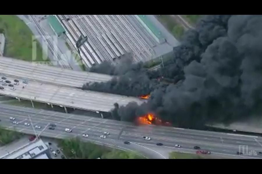 美國東部時間30日晚間7點左右,喬治亞州亞特蘭大85號州際公路一處橋樑因大火坍塌。(YouTube視像擷圖)