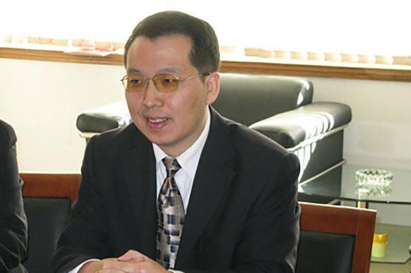 石家莊市文化廣電新聞出版局副局長左春和由於發表政治敏感言論遭到中共打壓。(網絡圖片)