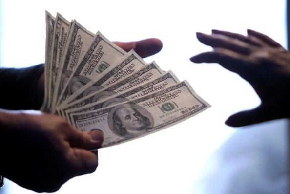 一名在獄中的「國企巨貪」自述在國企中如何採用陰損的手段操弄人事、奪取實權及其貪腐奢靡的內幕。(AFP/Getty Images)