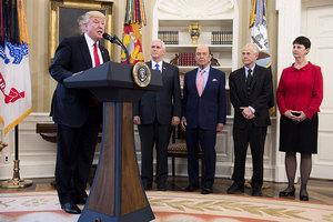 特朗普頒令打擊貿易逆差 美稱與習訪美無關