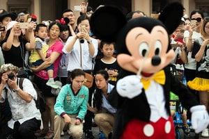 中共滲透上海迪士尼樂園 在華外企擔憂