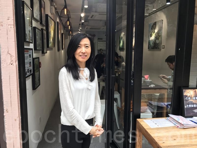 胡晴舫履新首次會見香港傳媒,她表示2017「台灣式言談」會以談善、談愛、談新及談食為主題。(王文君/大紀元)