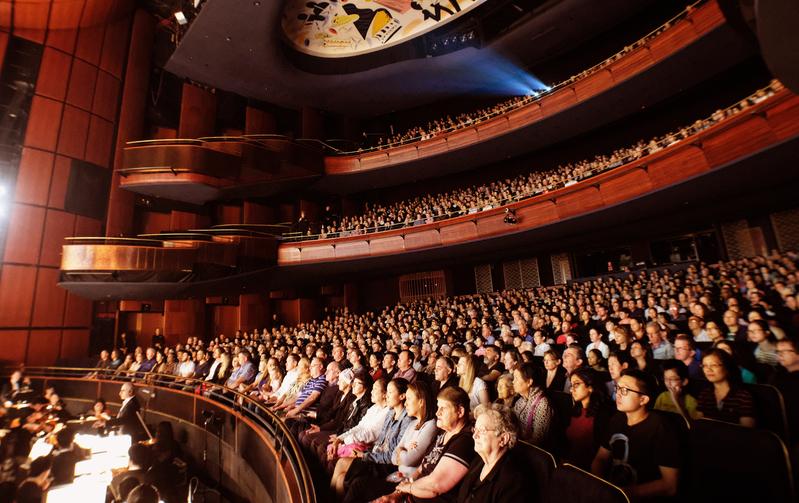 神韻2017年悉尼演出持續升溫,最後一場加座後仍全部售罄。(Henry Lam/大紀元)