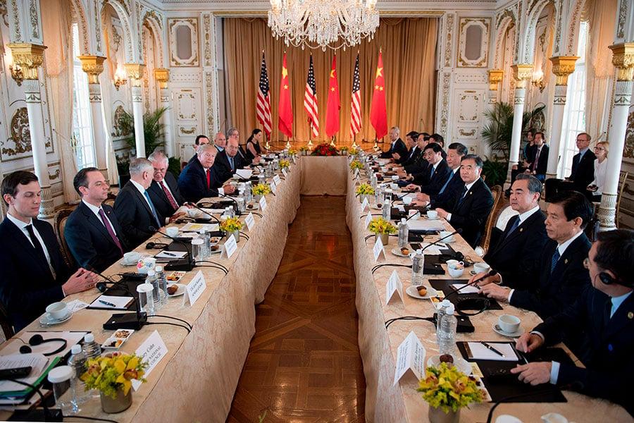 習特會4月7日落幕,北京方面同意說服北韓放棄核武,北京將派遣朝鮮半島事務特別代表武大偉訪韓;此外,中美雙方將建立4個高級別對話機制。(JIM WATSON/AFP/Getty Images)