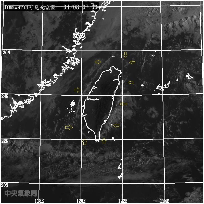 罕見!台灣被一條雲線完整圈起來